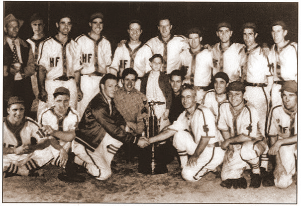 /honorees/01-team-1943-44HammerField RaidersSoftball.jpg