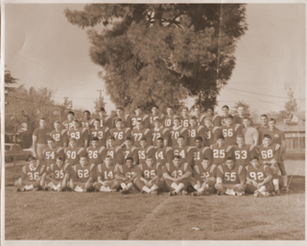 /honorees/15-team-1968FCCFootball.png